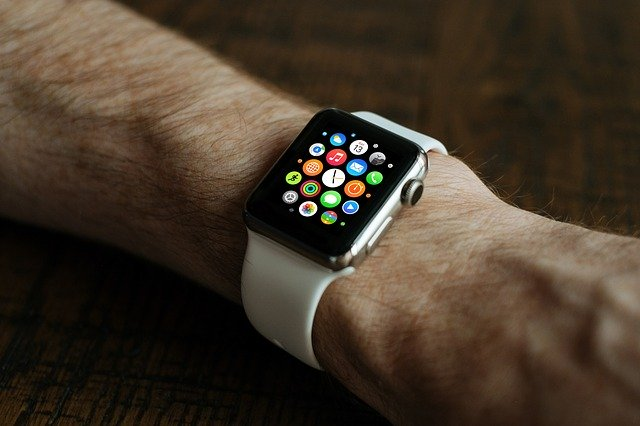 montre intelligente apple