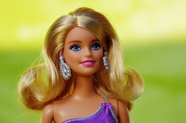 poupée barbie blonde